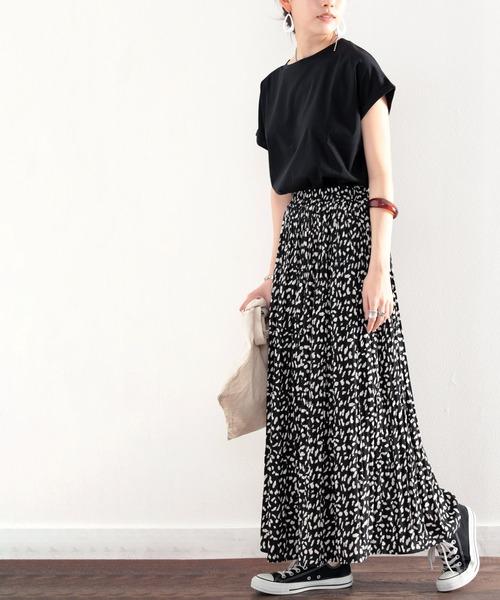 ふわり、揺れる。一目置かれる魅惑のプリーツスカート