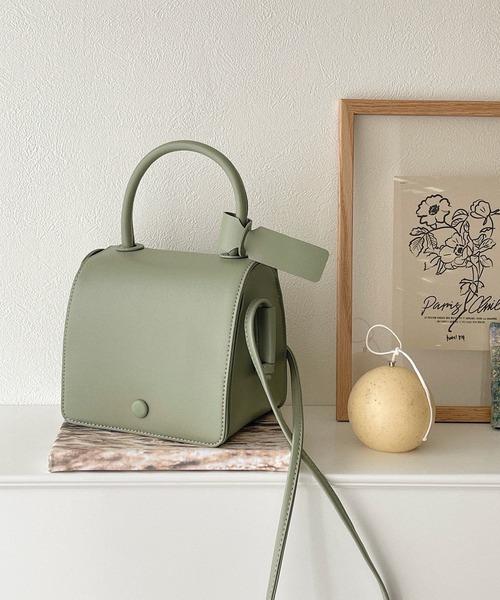 シンプルで合わせやすいバッグ