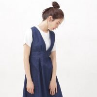 ジャンパースカートが主役の夏コーデ。おしゃれな大人女性の着こなし術20選をご紹介
