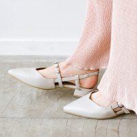 2021夏はグレーパンプスコーデで。足元を上品にする相性の良い着こなしのコツ