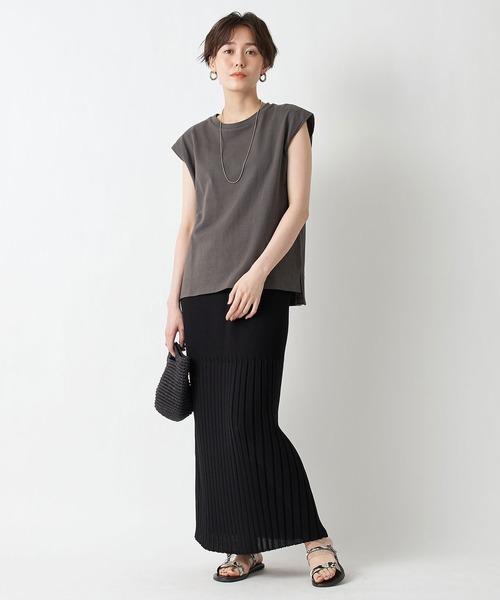フレンチスリーブT×リブニットロングスカート