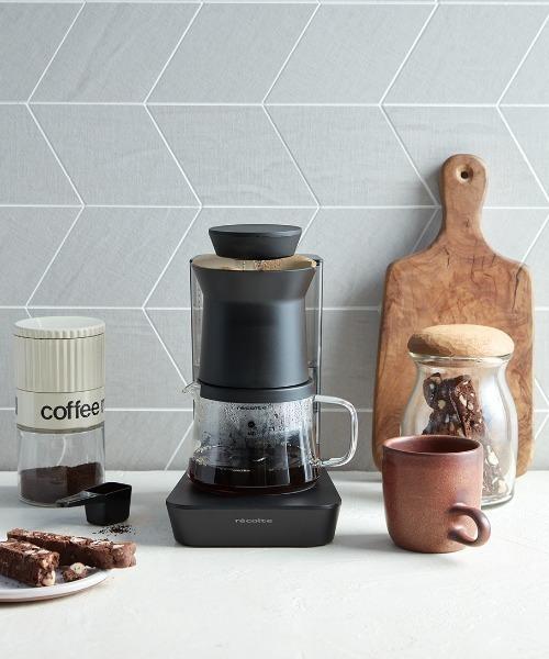 コンパクトさが人気のコーヒーメーカー