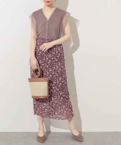 パープルブラウス×パープル花柄スカート