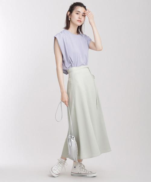 白スニーカーの夏コーデ《スカート》
