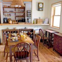 三角屋根の小さなお家で。家族とのんびり過ごす穏やかな田舎暮らし
