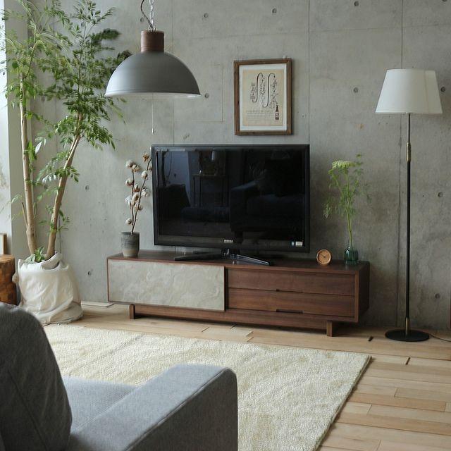 ブラウンのテレビボード
