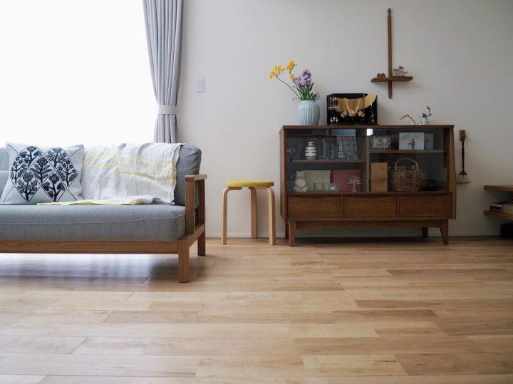 北欧レトロな家具のあるリビングインテリア