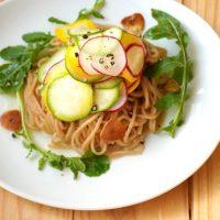 ランチにおすすめ!ズッキーニとラディッシュの玄米麺パスタ