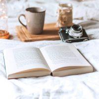 ギュッと胸が締めつけられる。甘くも切ない恋愛小説18選をテーマ別にご紹介