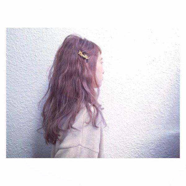 ウェーブロング×ピンクアッシュヘアカラー