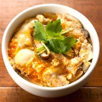 【スチーマーのレシピ】蒸したら簡単!とろり玉子の親子丼