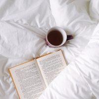 おすすめの心温まる小説19選。何度も読みたくなるお気に入りの一冊を見つけよう