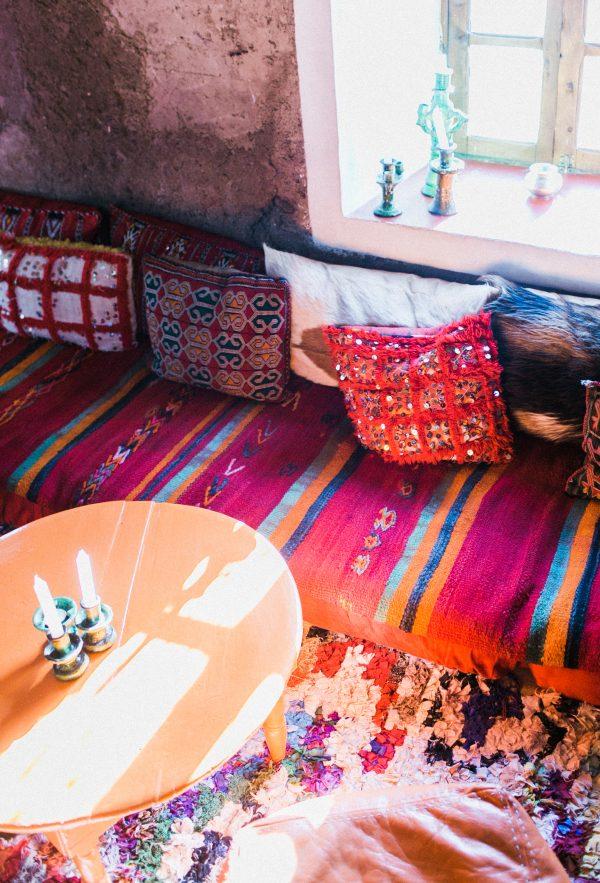 鮮やかなモロッコスタイルのお部屋