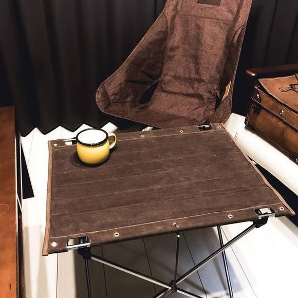 帆布素材のテーブル