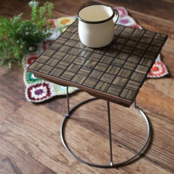 ウッドデッキで初心者にも簡単なミニテーブル