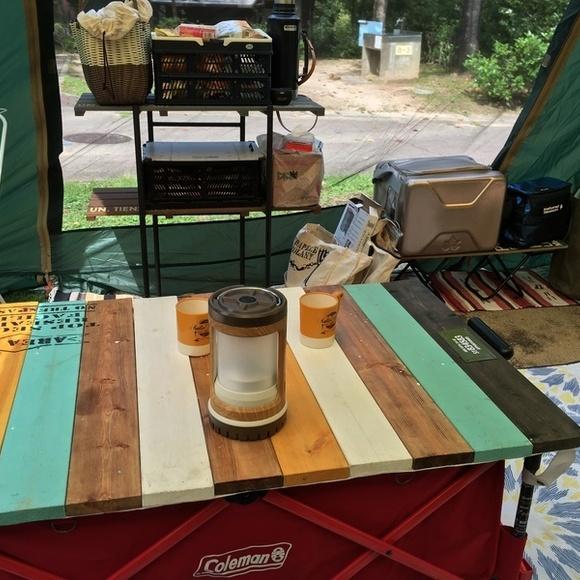 アウトドアワゴンと組み合わせるガーデンテーブル