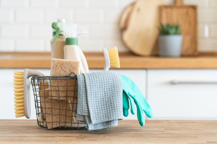 4. 洗剤や用具の特徴を知って、上手に使いこなす
