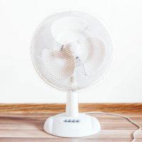 おしゃれな卓上扇風機で暑さを乗り切ろう。USBや小型タイプの人気商品まとめ