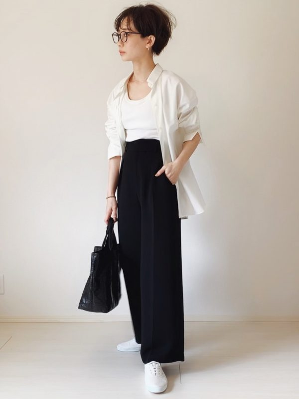 +白シャツのオフィスカジュアル夏コーデ