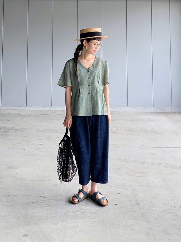 +緑ブラウスのリラックス夏コーデ