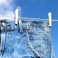 ジーンズの洗濯方法!デニム素材の洗い方から色落ち対策まで徹底解説