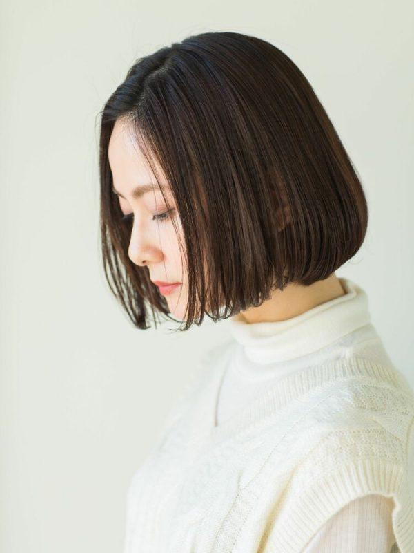 秋の黒髪×ストレートボブヘア