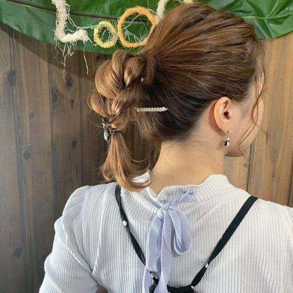 地味にならないまとめ髪のヘアアレンジ