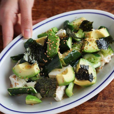 きゅうりとちぎり豆腐のうま塩サラダ