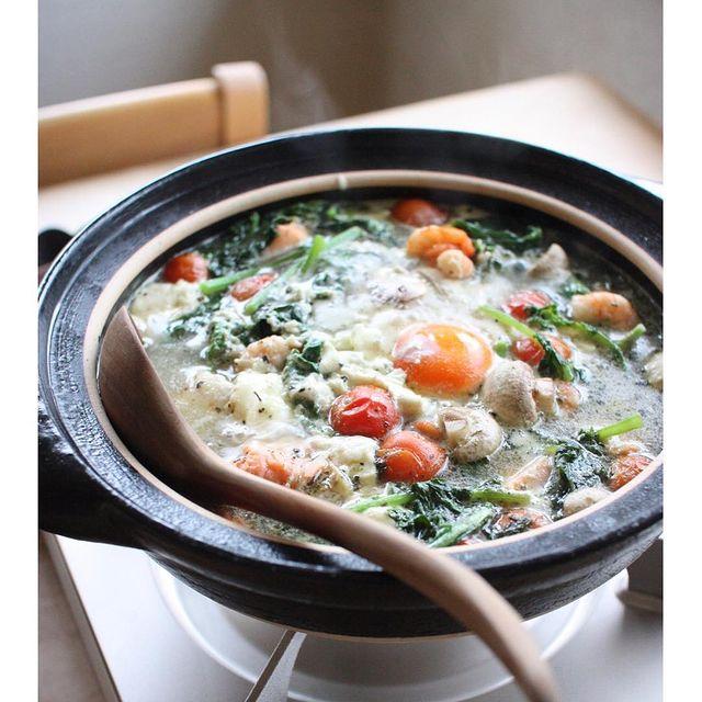 おしゃれ♪魚介と彩り野菜のバジル鍋レシピ