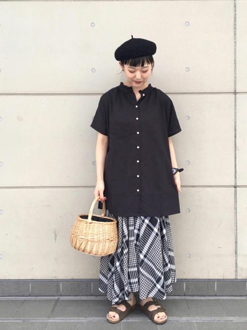 チュニックシャツ×レディースチェックスカート