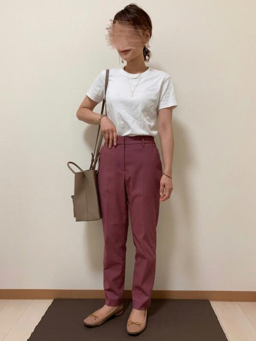 ユニクロTシャツ×茶色パンツの夏コーデ