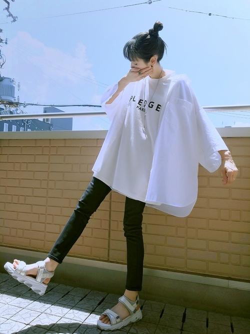 GUのオバーサイズ白シャツ