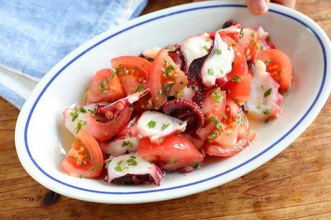 簡単洋風レシピ!たことトマトの刻み大葉マリネ