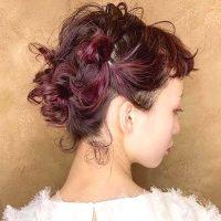 結婚式のお呼ばれに人気のアップヘア特集。不器用でも簡単にできる大人可愛い髪型