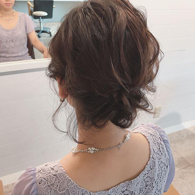 編み込みテクで簡単おしゃれなまとめ髪