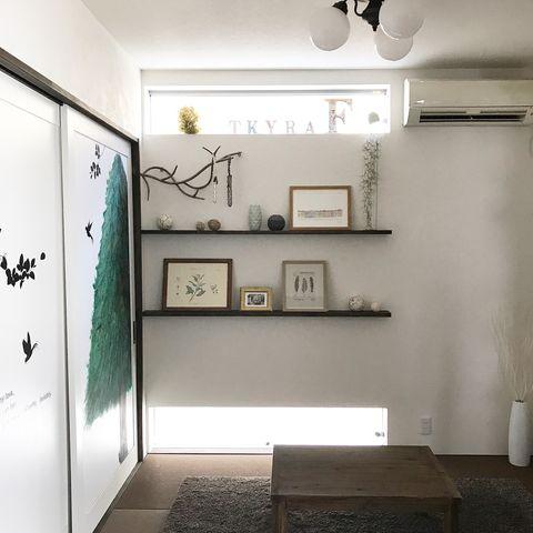 北欧テイストが漂う和室の飾り棚