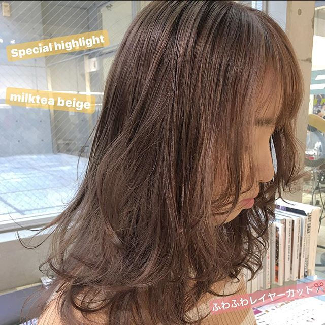 外国人風なモテ髪ミルクティーベージュヘア