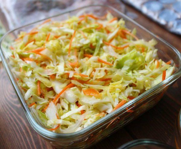 定番常備菜のコールスローサラダ