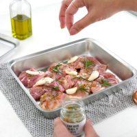 こだわりのつまった「角バット・角ざる・角プレート」。料理を堪能できるアイテム!