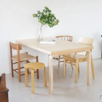 自然と暮らしを大切にする「テーブル」。心地よい温かさが魅力!