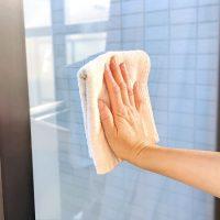窓ガラスの掃除方法!きれいな拭き方や洗剤を使うときの注意点も紹介