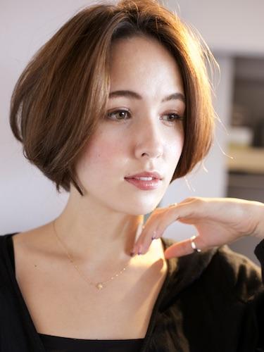 エレガントで大人女性に似合う髪型