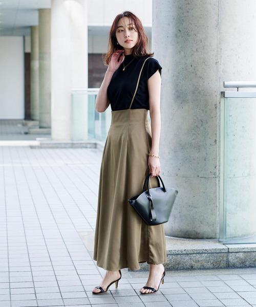 ノースリーブ×サロペットスカート