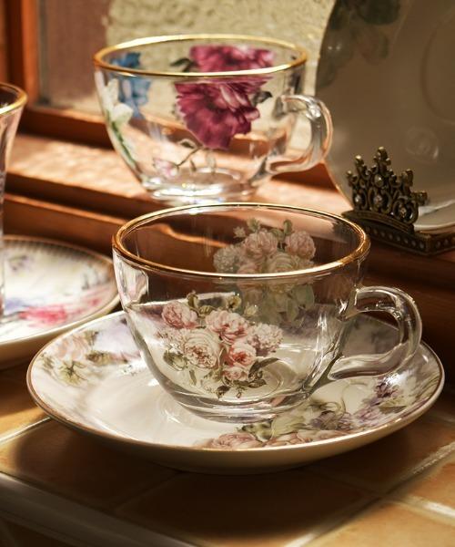 ティータイムのために作られたガラスカップ