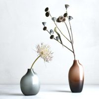 インテリアに合う花瓶14選。「枝もの」をもっとおしゃれに見せるデザインとは