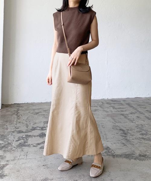 ブラウンニット×マーメイドベージュスカート