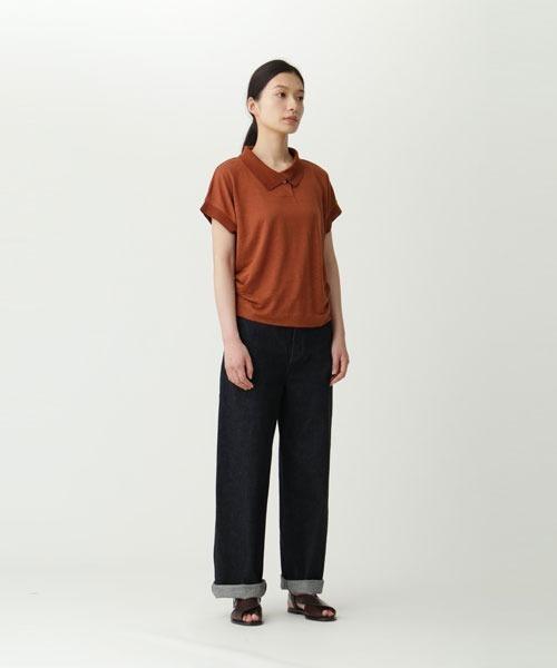 リネンポロシャツのお出かけファッション