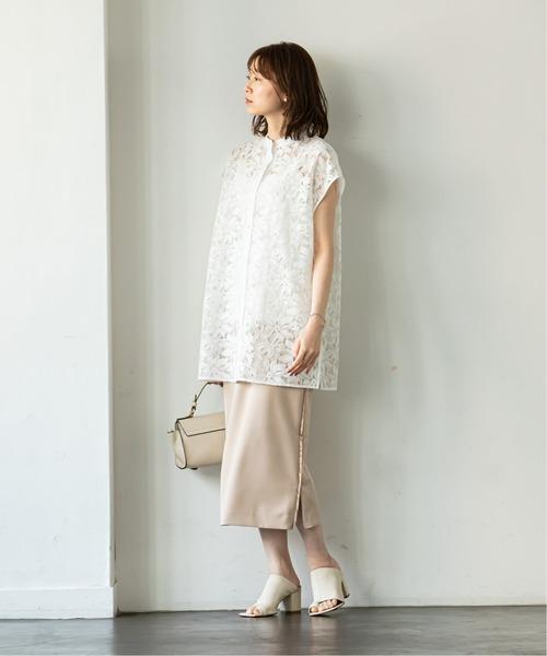 夏 白ブラウス×ベージュロングスカート