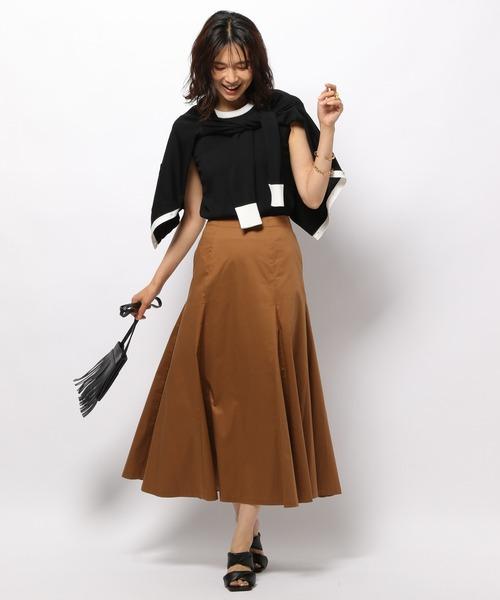 秋 黒アンサンブル×ベージュロングスカート