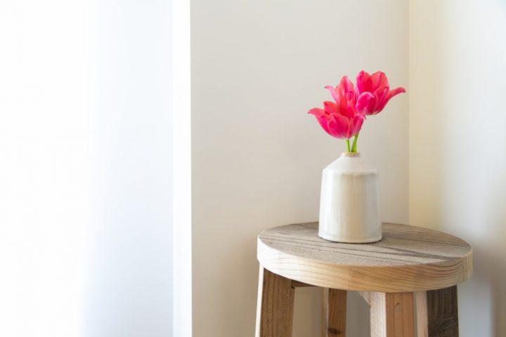 花をインテリアに取り入れるには?飾り方のコツを紹介